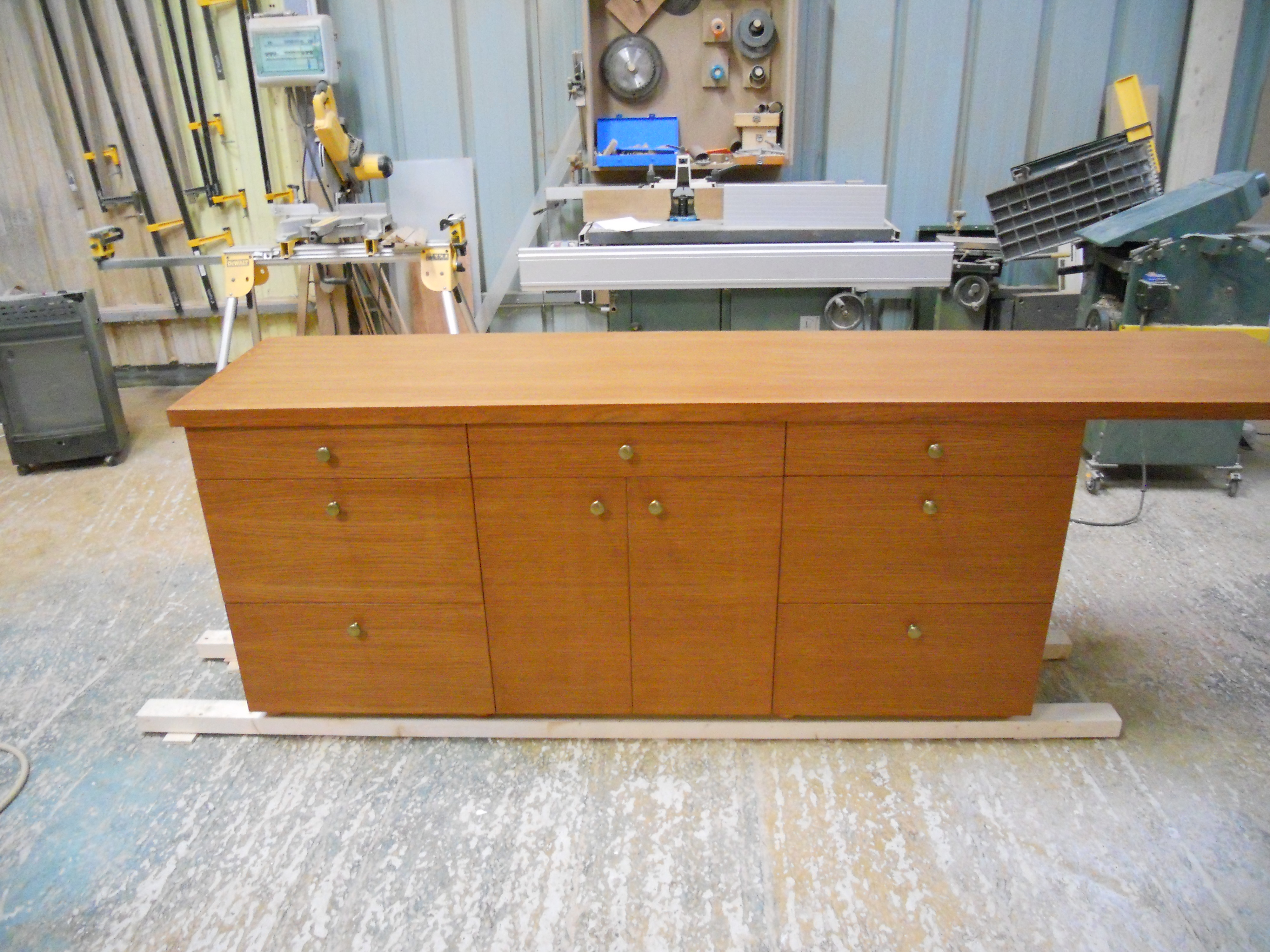 Meuble tiroir en ch ne massif brodie agencement for Peindre un meuble en agglomere