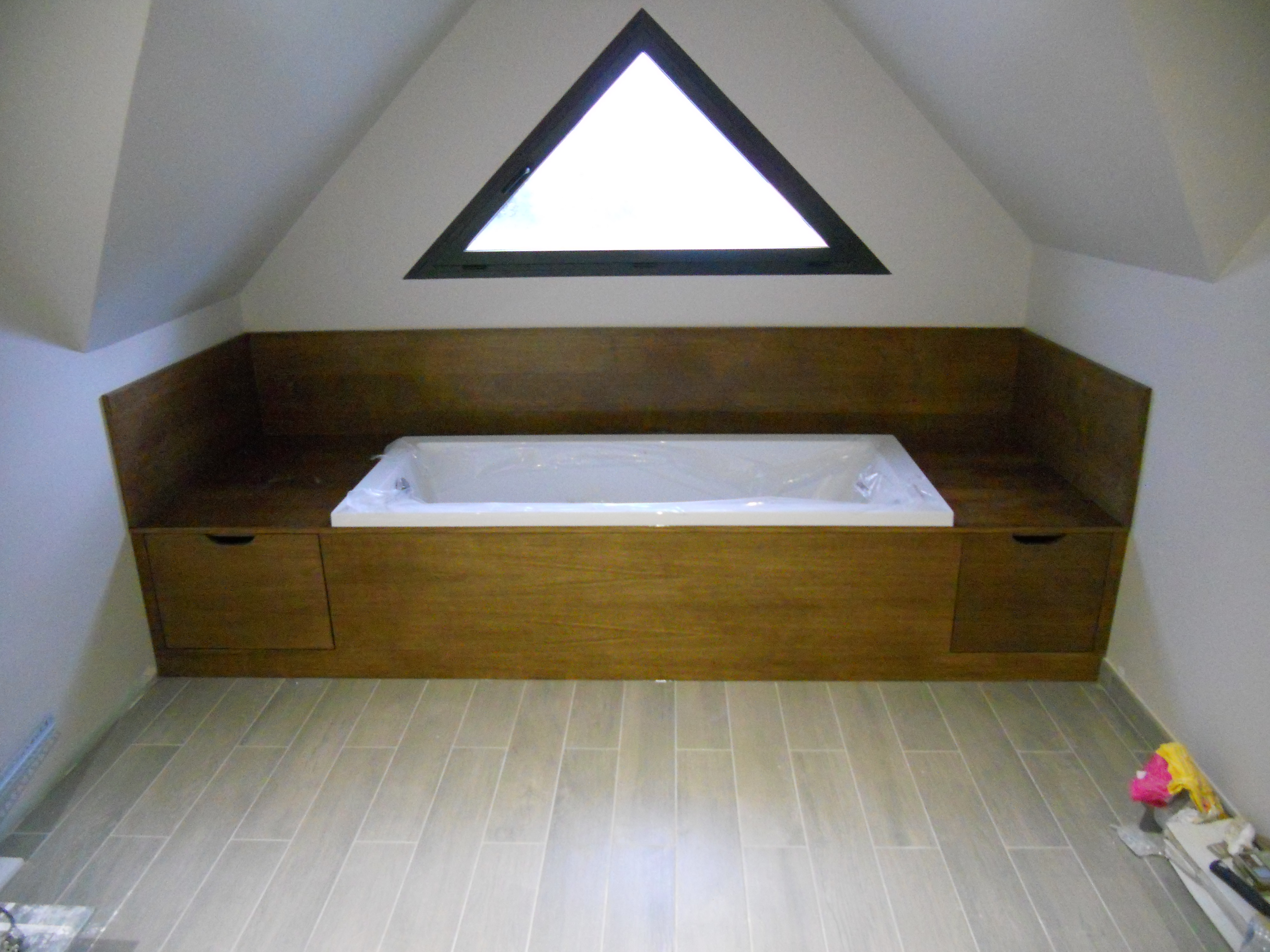 Habillage baignoire en ch ne massif brodie agencement - Habillage baignoire en bois ...