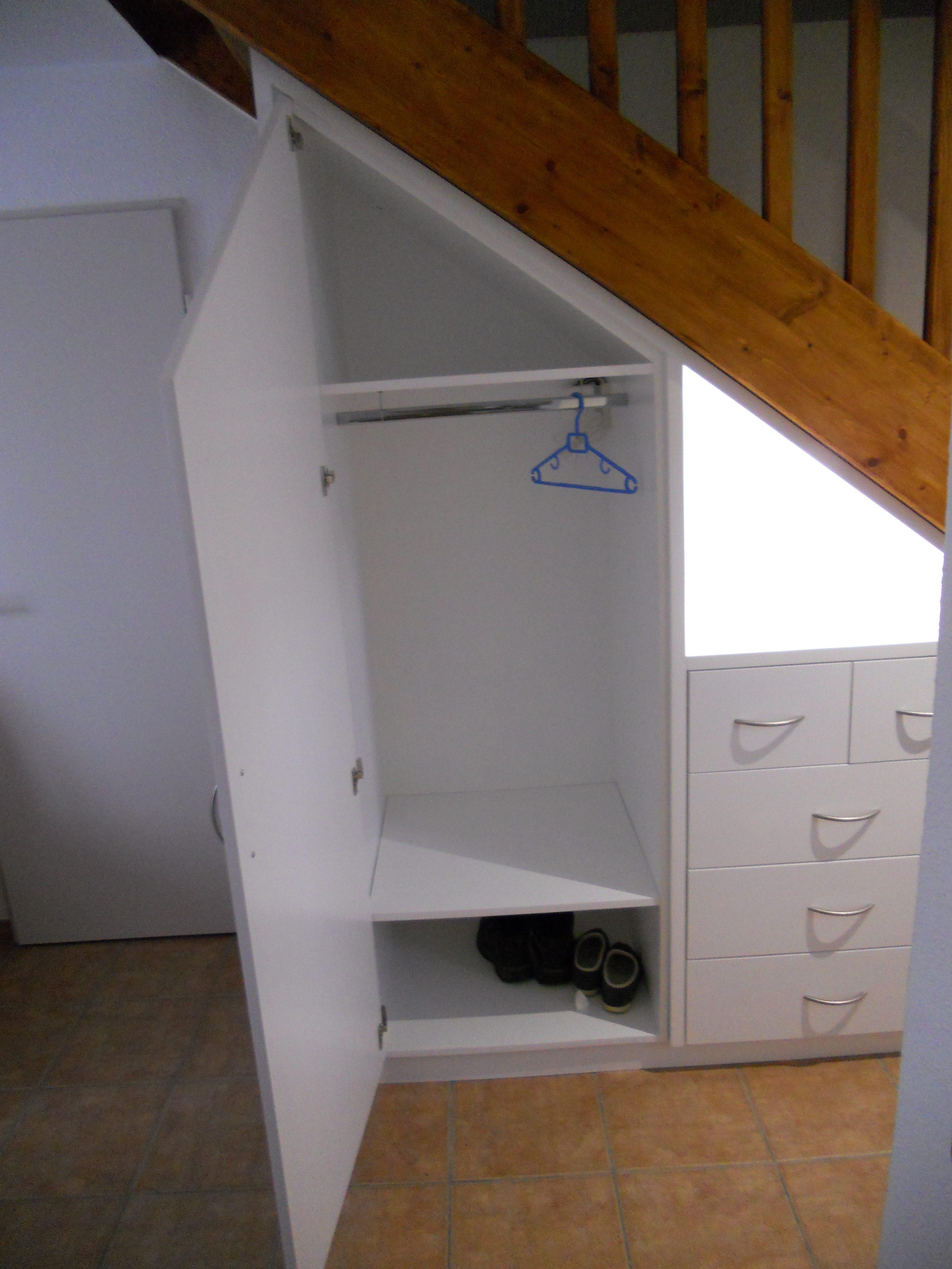 meuble sous escalier sur mesure brodie agencement. Black Bedroom Furniture Sets. Home Design Ideas