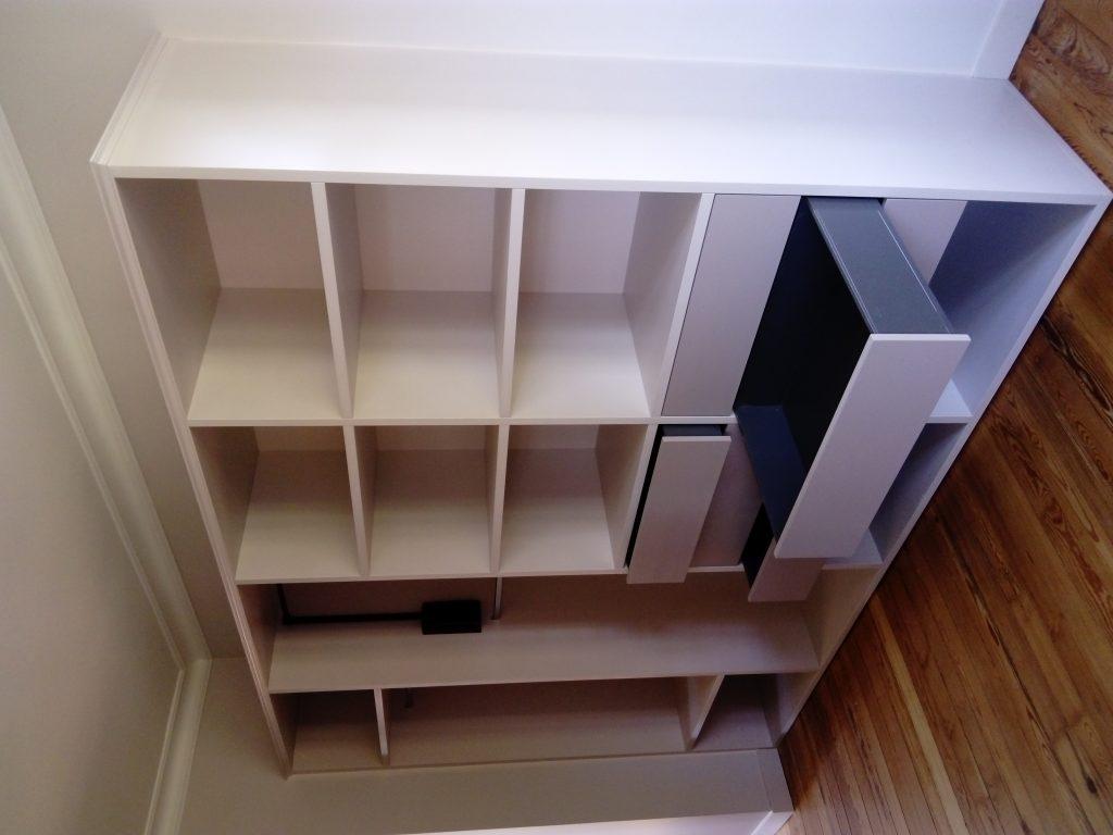 Meuble avec 35 tiroirs sous pente brodie agencement - Meuble bas sous pente ...