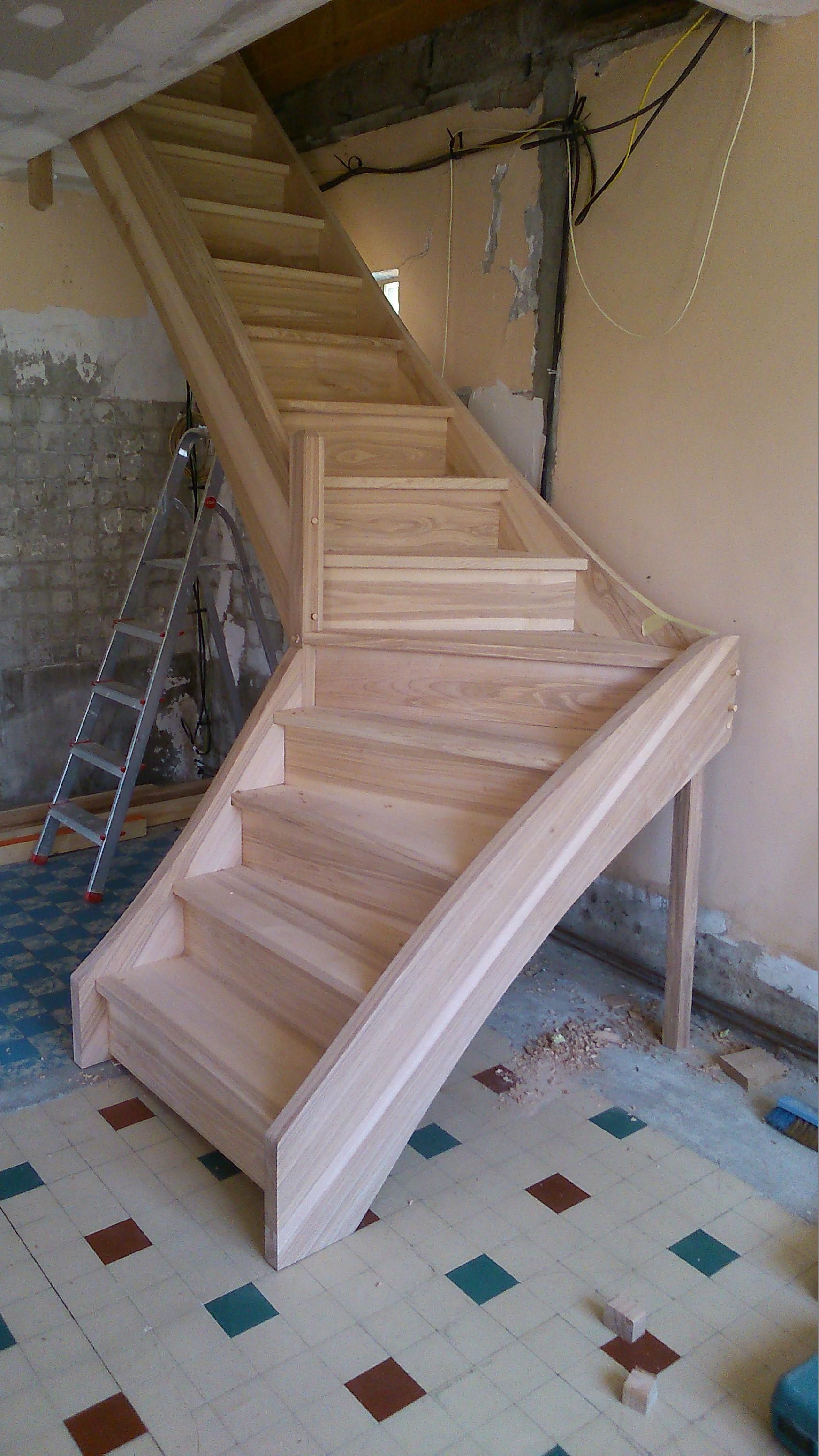 Escalier Quart tournant frêne massif fabrication artisanal sur mesure
